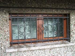 gratii geam valcea